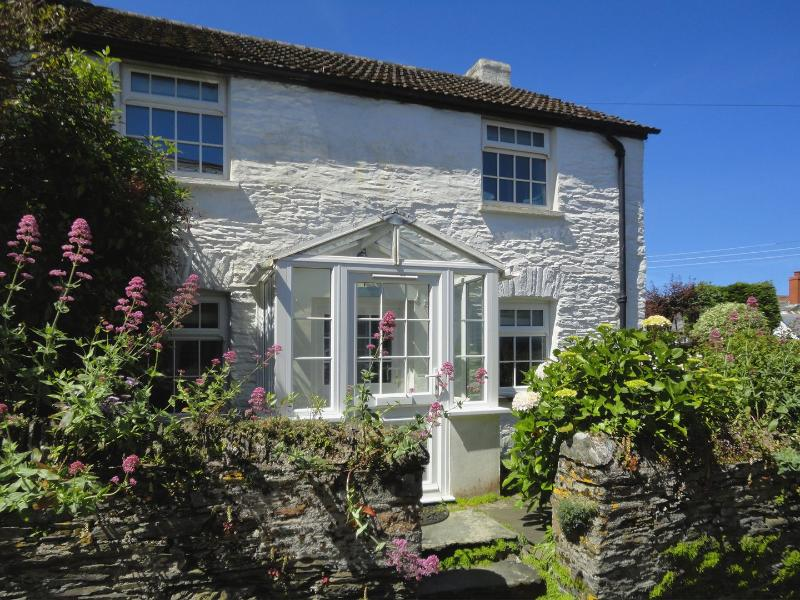 Fuchsia Cottage - Image 1 - Boscastle - rentals