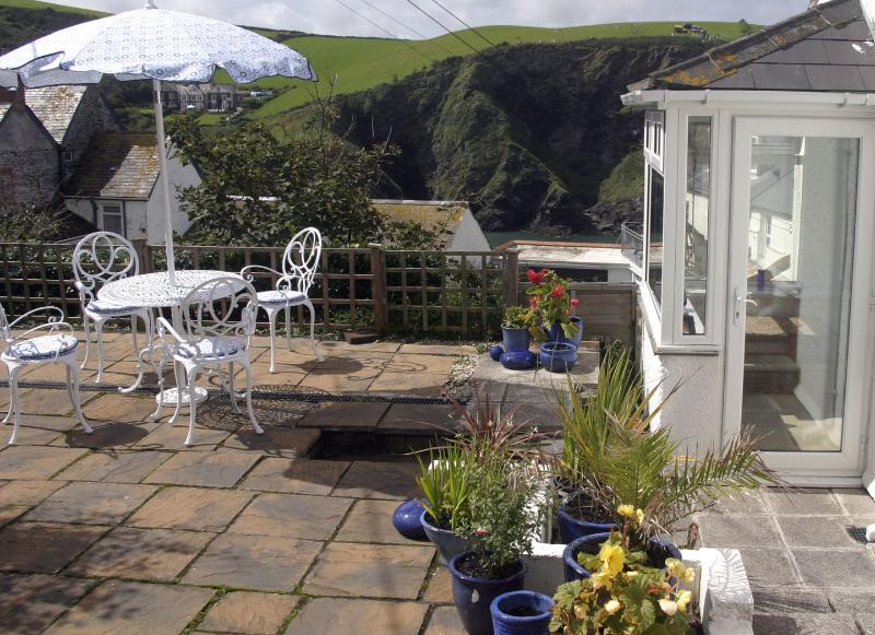 The Lobster Pot - Image 1 - Port Isaac - rentals