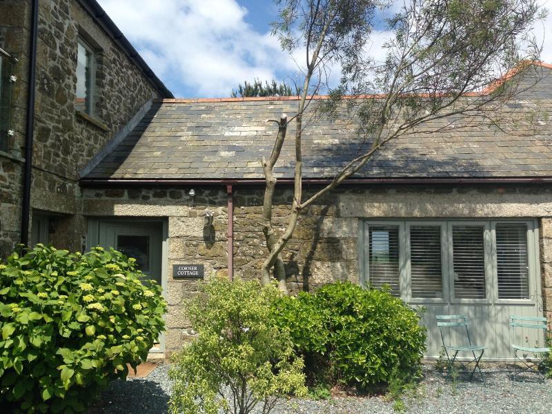 Corner Cottage - Image 1 - Trelights - rentals