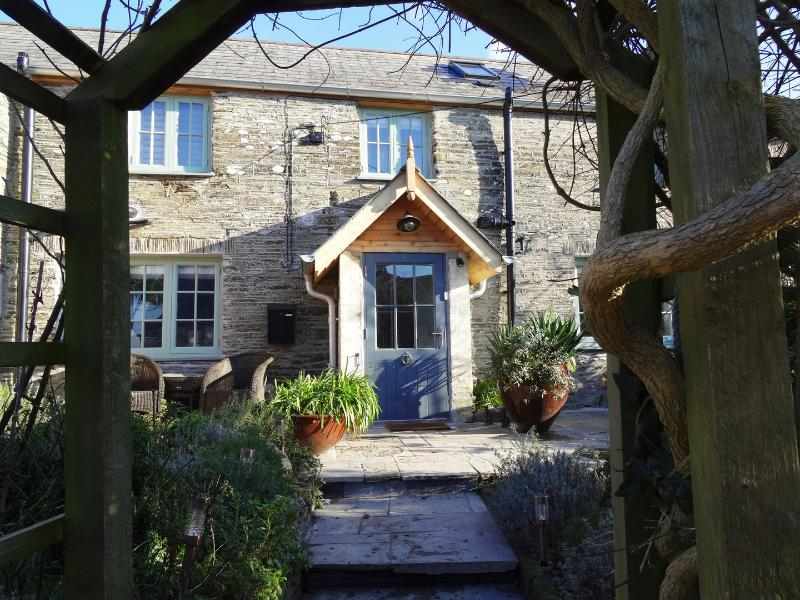 Dormouse Cottage - Image 1 - Wadebridge - rentals