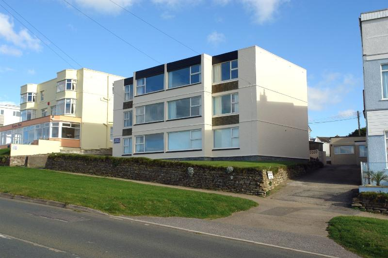 Spindrift No3 - Image 1 - Newquay - rentals