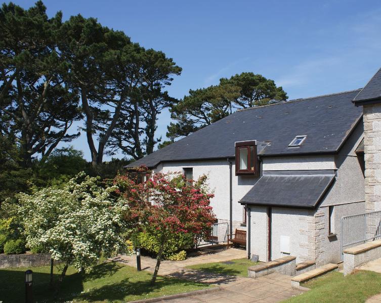Pine Cottage - Image 1 - Maenporth - rentals