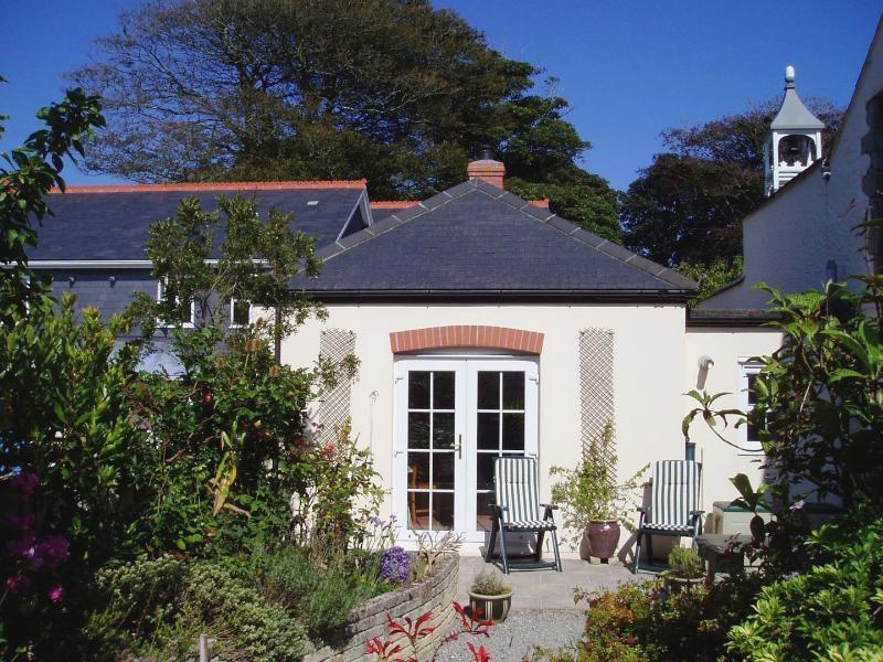 Bell Cottage - Image 1 - Penryn - rentals