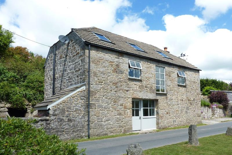 Withy Barn - Image 1 - Wendron - rentals
