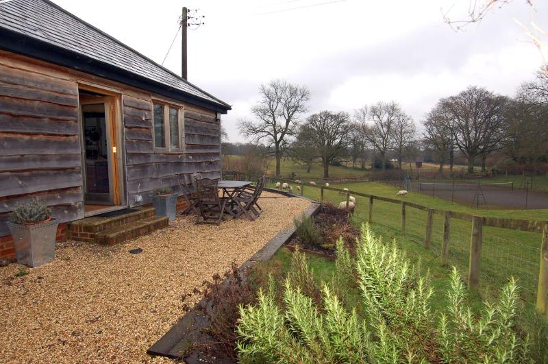 The Old Cart Shed - Image 1 - Fordingbridge - rentals