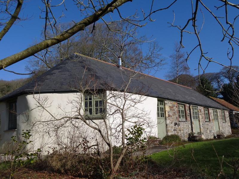 Nantellan Roundhouse - Image 1 - Truro - rentals