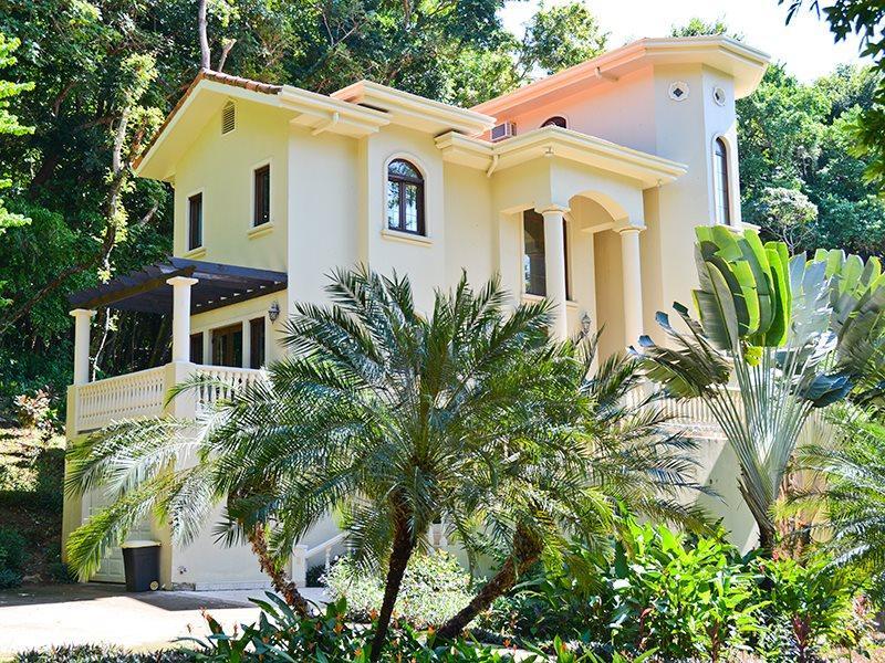 Castillo Des Arboles - Image 1 - West Bay - rentals