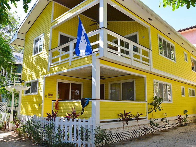 Tortuga Beach House - Image 1 - West Bay - rentals