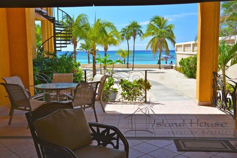 Coral Sands #5 Beach Front Condo - Image 1 - West Bay - rentals