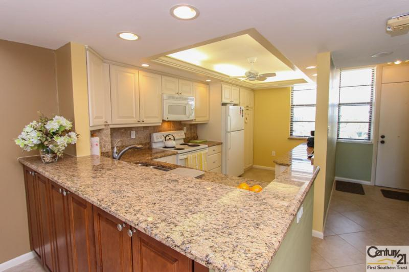 Kitchen - SST1-702 - South Seas Tower - Marco Island - rentals