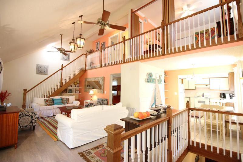 Great Room with Vaulted Ceilings - flows into balcony and kitchen - Casa Van Lopik (j)- Your lush island getaway! - Siesta Key - rentals