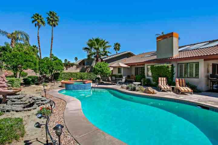 Soak up the rays or Swim, Float, Chill in this beautiful Pool and Spa with loungers, Table for 4 and Glider - GET YOUR SUNSHINE ON!!  3 Bedroom / 2.5 Bath with Private Pool & Spa - Rancho Mirage - rentals
