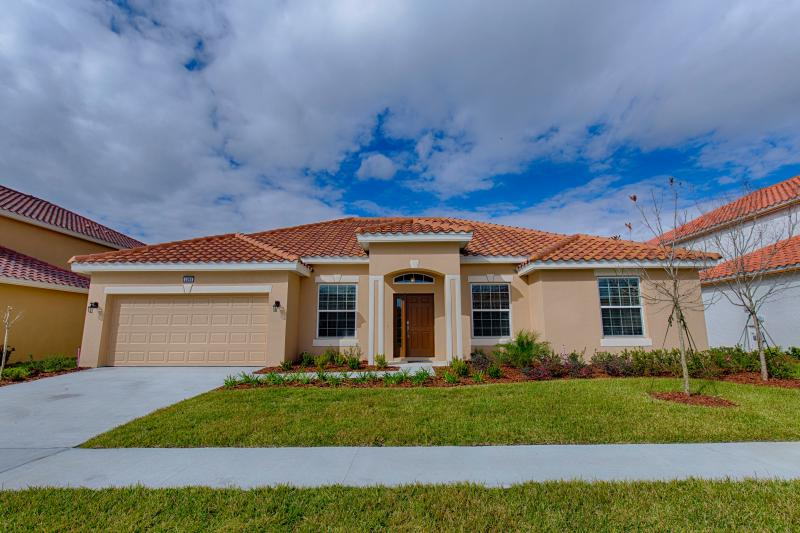 Front of Home - 4 Bed Pool Home, Clubhouse + Waterslides 4095 SOLT - Orlando - rentals