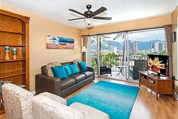 Royal Aloha 2 Bedroom with Parking and Mt. Views!! - Image 1 - Honolulu - rentals