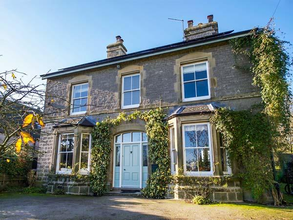 THE OLD MANSE, detached, three woodburners, en-suites, lawned gardens, in Wetton, Ref 17459 - Image 1 - Wetton - rentals