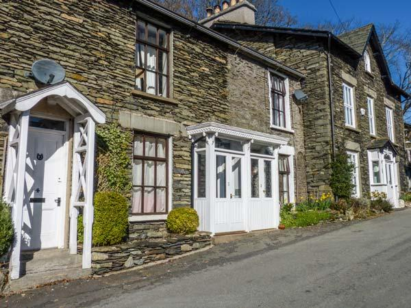BLUEBELL BROOK, Victorian, terraced cottage, en-suite, woodburner, WiFi, in Windermere, Ref 903673 - Image 1 - Windermere - rentals