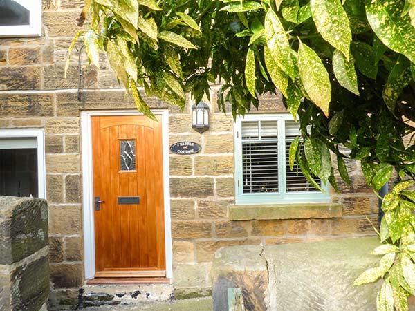 SADDLE COTTAGE, stone, woodburner, WiFi, pet-friendly, in Osmotherley, Ref 923263 - Image 1 - Osmotherley - rentals