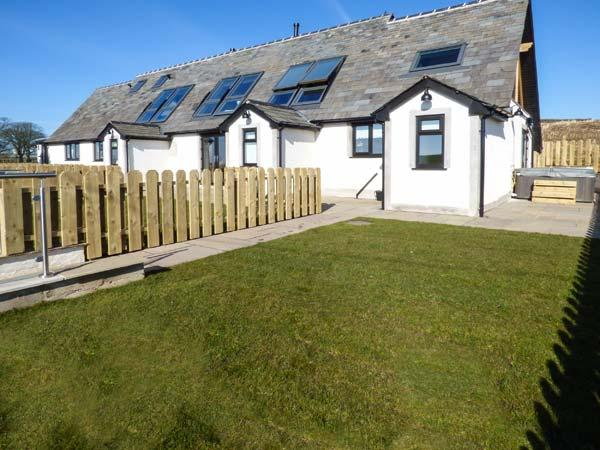 DAISY COTTAGE luxury accommodation, en-suite, underfloor heating, hot tub,WiFi in Baycliff Ref 926824 - Image 1 - Baycliff - rentals