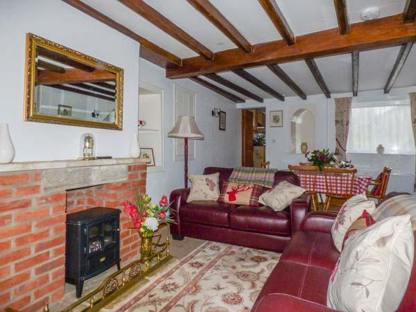 ALFIE'S PLACE, pet-friendly, country holiday cottage, with a garden in Pickering, Ref 929272 - Image 1 - Pickering - rentals