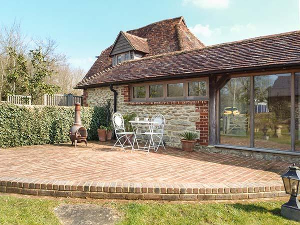 THE GRANARY luxurious wing of owner's home, stylish, romantic, beams, Pulborough Ref 930496 - Image 1 - Pulborough - rentals