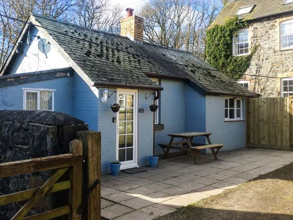 DUCK EGG COTTAGE, single-storey, woodburner, dog-friendly, many activities in the area, Rhayader, Ref 931172 - Image 1 - Rhayader - rentals