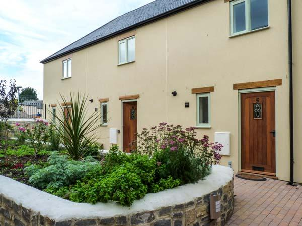 6 MALTHOUSE COURT family-friendly, near to marina, village centre in Watchet Ref 931849 - Image 1 - Watchet - rentals