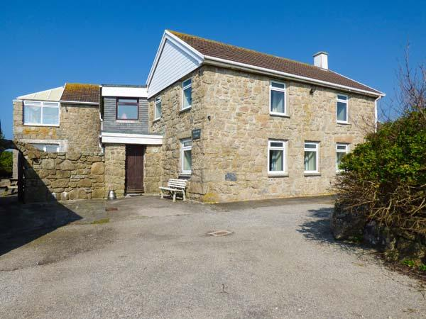 TREGIFFIAN VEAN, spacious holiday home, open fire, wonderful sea views, pet-friendly, Sennen Cove, Ref 932657 - Image 1 - Sennen Cove - rentals