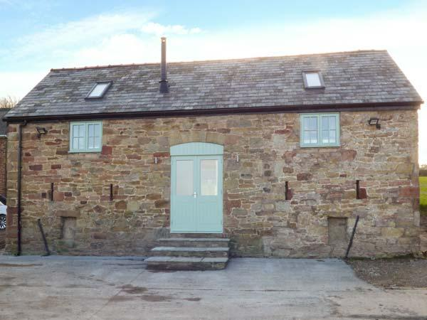PLAS TIRION COTTAGE, stabling available, close to the beach, WiFi, woodburner, Holywell, Ref 932781 - Image 1 - Holywell - rentals