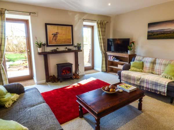 THE GARDEN HOUSE romantic, converted stable, farm location, en-suite in - Image 1 - Chirnside - rentals