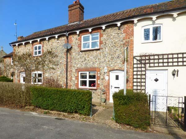 BRAMBLE COTTAGE, character features, woodburner, pet-friendly, in Ashill, Watton, Ref 935009 - Image 1 - Watton - rentals