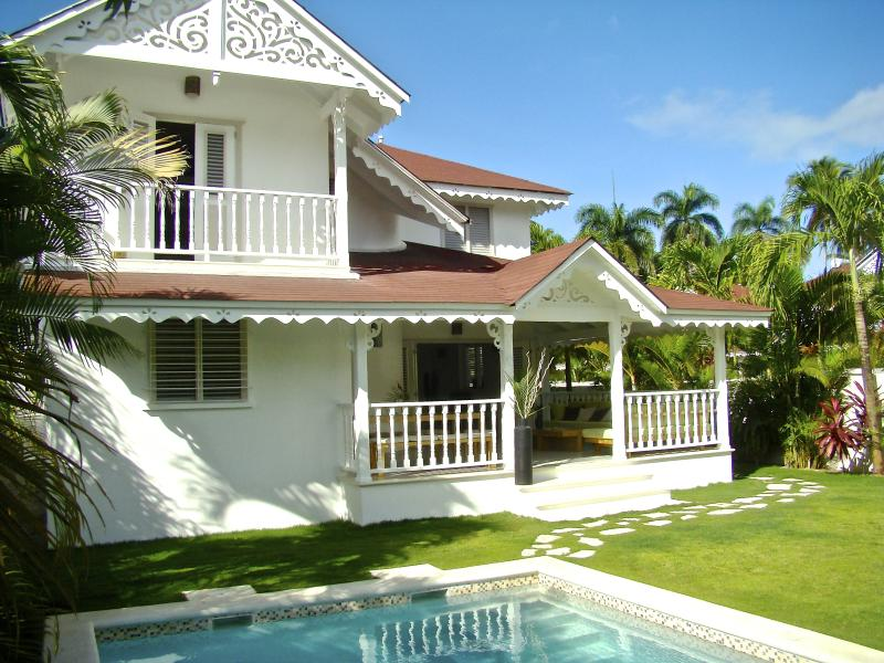 Villa Jona at Playa Las Ballenas and Fisherman's Town - Image 1 - Las Terrenas - rentals