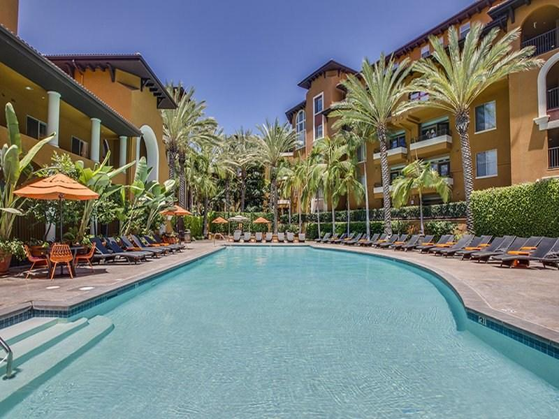 PENTHOUSE - 2 bedrooms by the Grove - Image 1 - Los Angeles - rentals