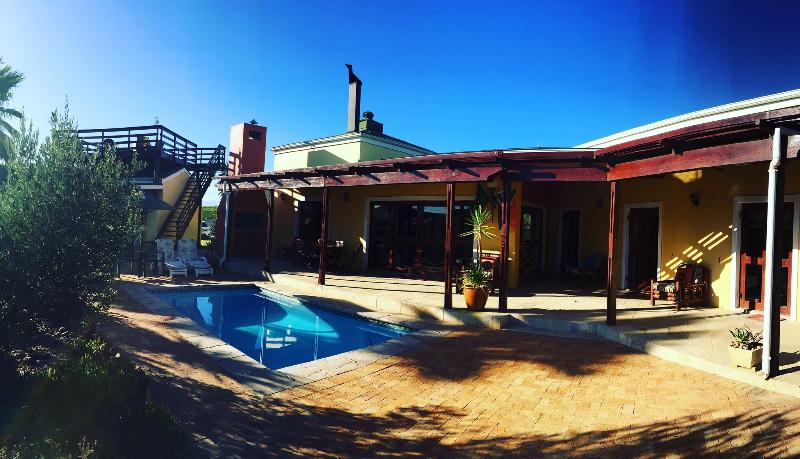 Villa van Meerhof is the perfect holiday house in the Cape Winelands. - African style villa in beautiful Riebeek Valley - Riebeek Kasteel - rentals