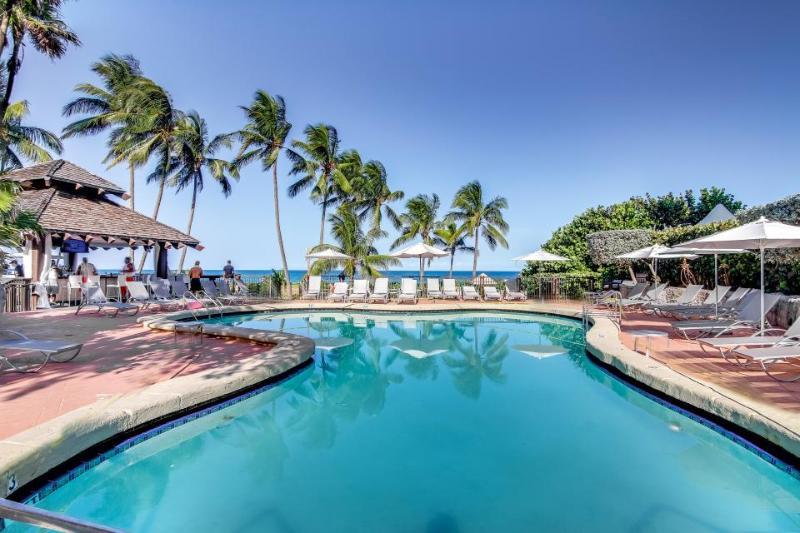 Inviting condo w/pool & beach access - restaurant on-site! - Image 1 - Miami Beach - rentals