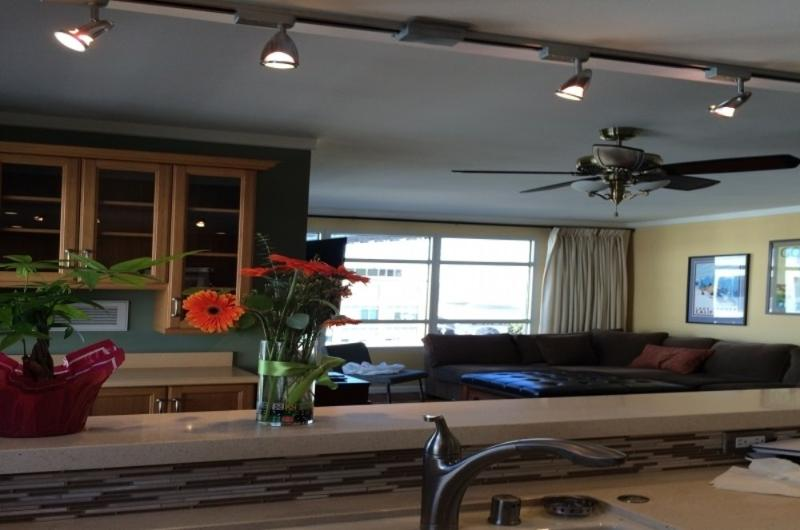 BEAUTIFULLY FURNISHED 2 BEDROOM, 2 BATHROOM APARTMENT - Image 1 - San Francisco - rentals