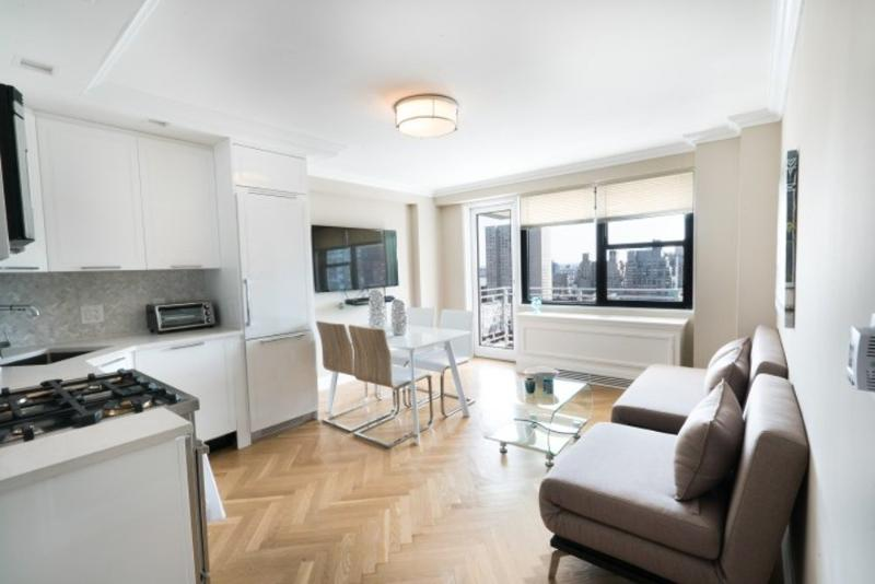 Stylish  2 Bedroom 2 Bathroom  Apartment - Upper East Side Full Service Building - Image 1 - New York City - rentals
