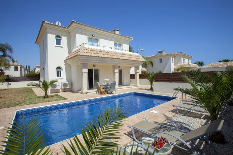 PRBW8Z Villa Blue Water 8Z - Image 1 - Protaras - rentals