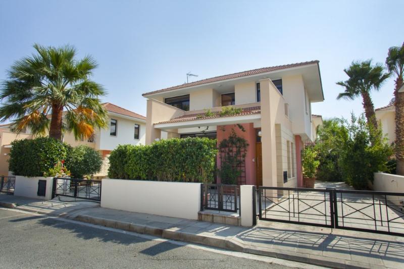 LEC37 Villa Enalos37 - Image 1 - Larnaca - rentals