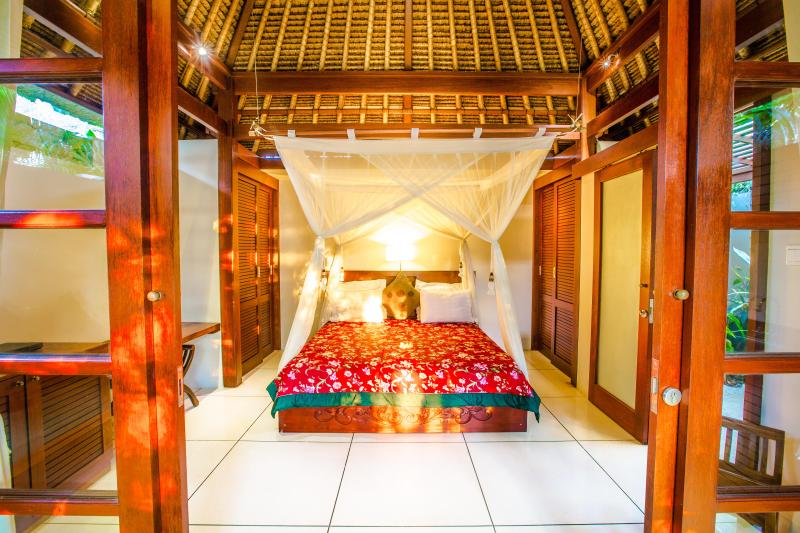 LUXURY Villa Jiwa in Ubud ONLY $79! - Image 1 - Ubud - rentals