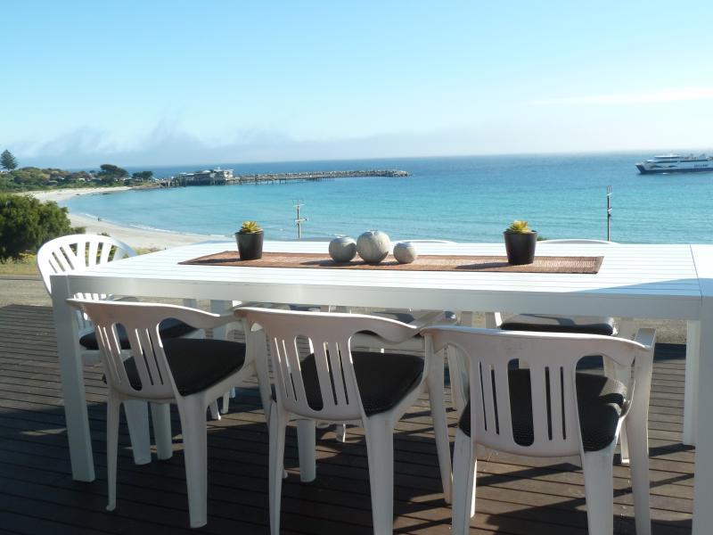 Alfresco dining over the sea - Western's Rest Penneshaw, Kangaroo Island - Penneshaw - rentals