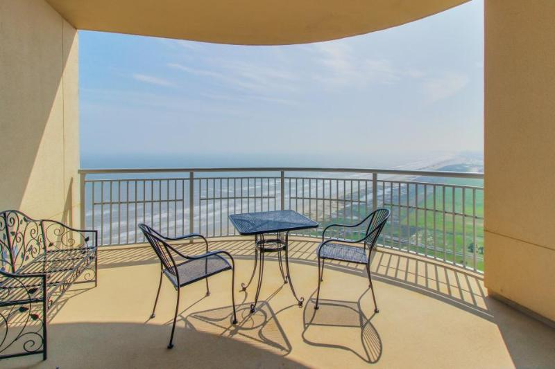Luxurious Gulf front condo with a communal pool, hot tub & tennis! - Image 1 - Galveston Island - rentals