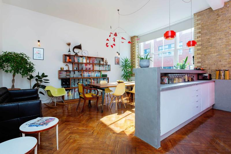 A sunny apartment in  vibrant Hackney - Image 1 - London - rentals