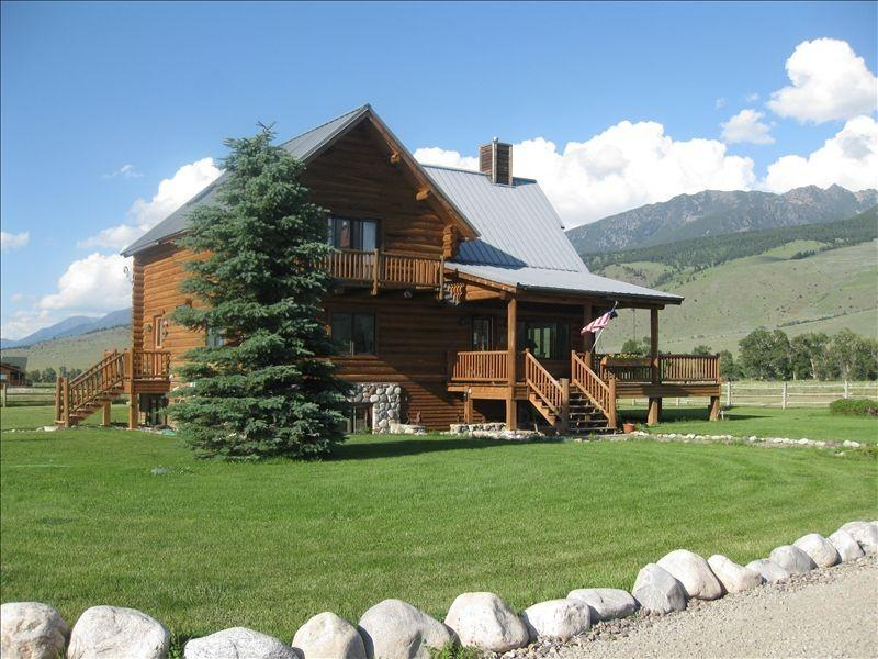 The Main Log Home - The Pleasant Pheasant  Single/Multi-Family Retreat - Pray - rentals