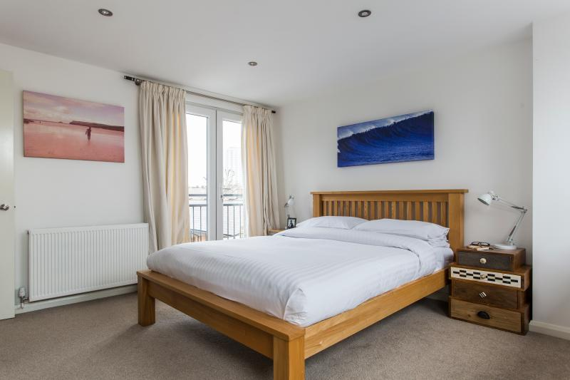 One Fine Stay - Mortimer Square apartment - Image 1 - London - rentals