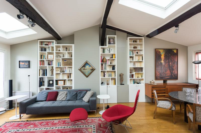 onefinestay - Rue des Petits Carreaux private home - Image 1 - Paris - rentals