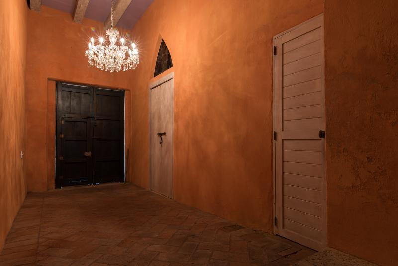 Wonderful 4 Bedroom House in Old Town - Image 1 - Cartagena - rentals