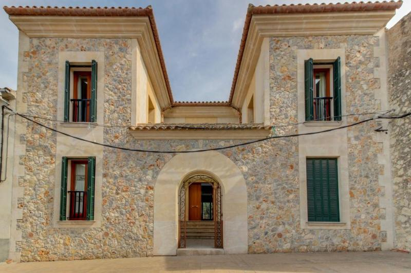 Gorgeous estate with a private pool, terrace & courtyard, in a central location! - Image 1 - Maria de la Salut - rentals