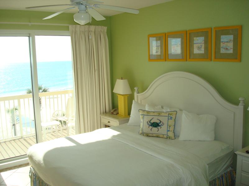 The master suite has a king size bed, large walk in closet and en suite bathroom - FAMILY BREAK @CALYPSO 2017!  FREE Bch Chr&WIFI - Panama City Beach - rentals