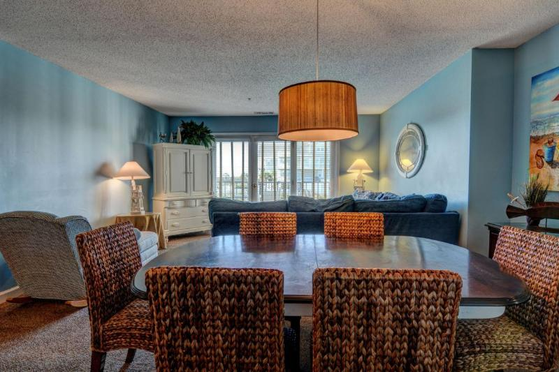 Dining, Living - Villa Capriani 118-A - North Topsail Beach - rentals