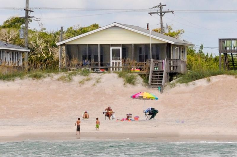 I'm on a boat - S. Shore Drive 1338 - Surf City - rentals